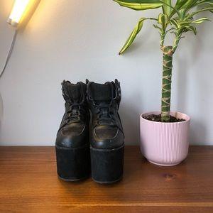 YRU Qozmo sky hi platform sneakers